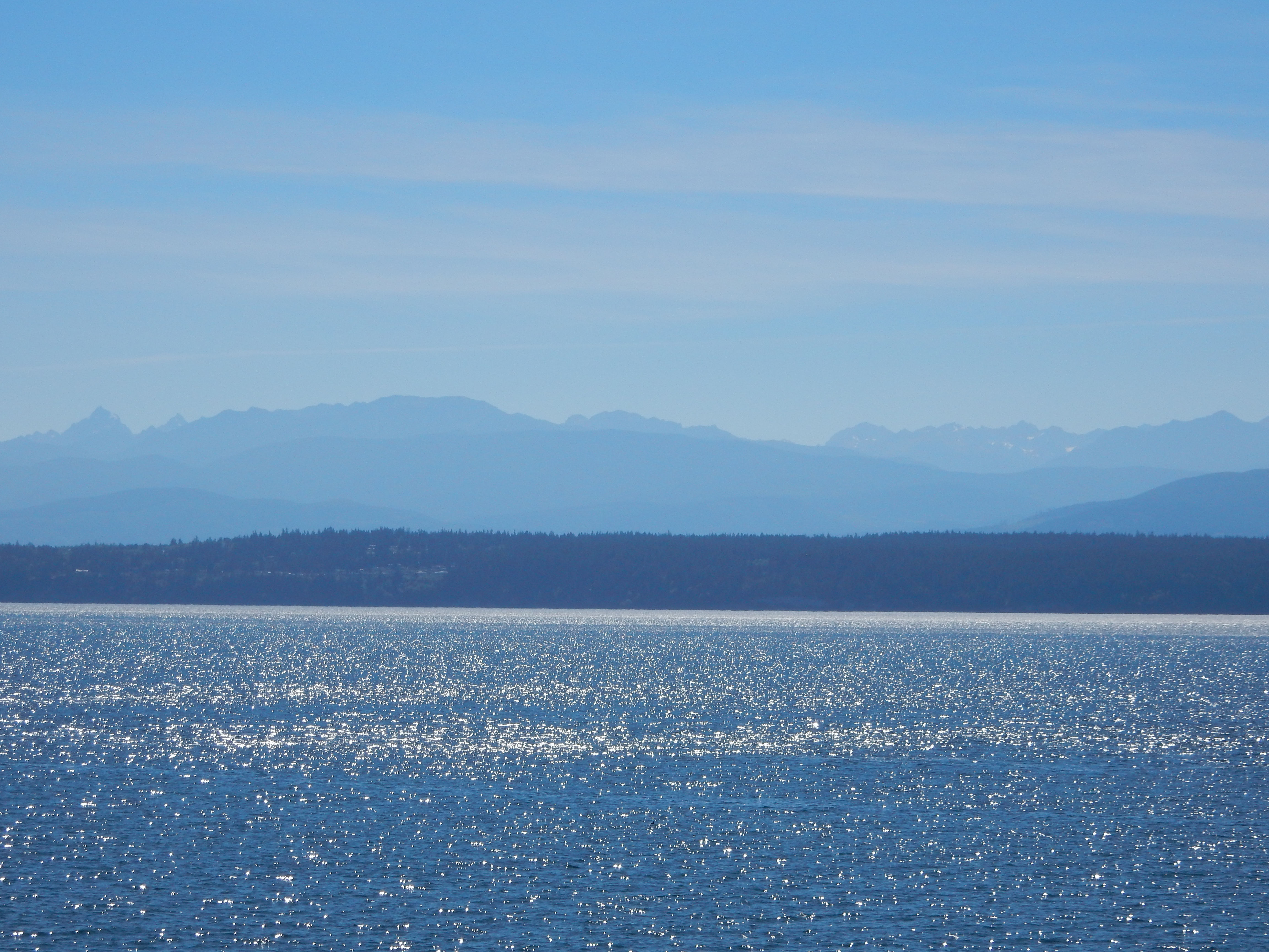 A slightly closer view of the Olympic Mountains.