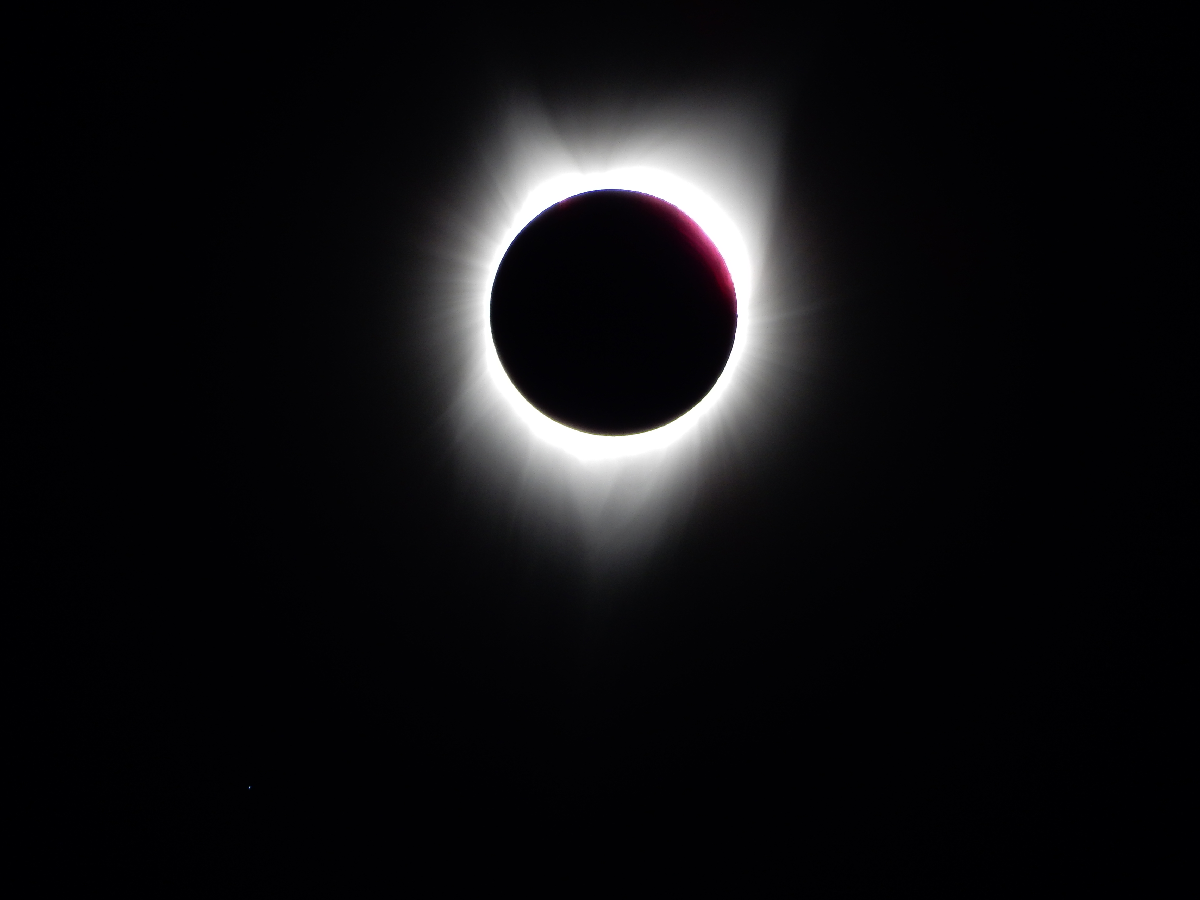 Last seconds of totality, solar filter removed.Last seconds of totality, solar filter removed.