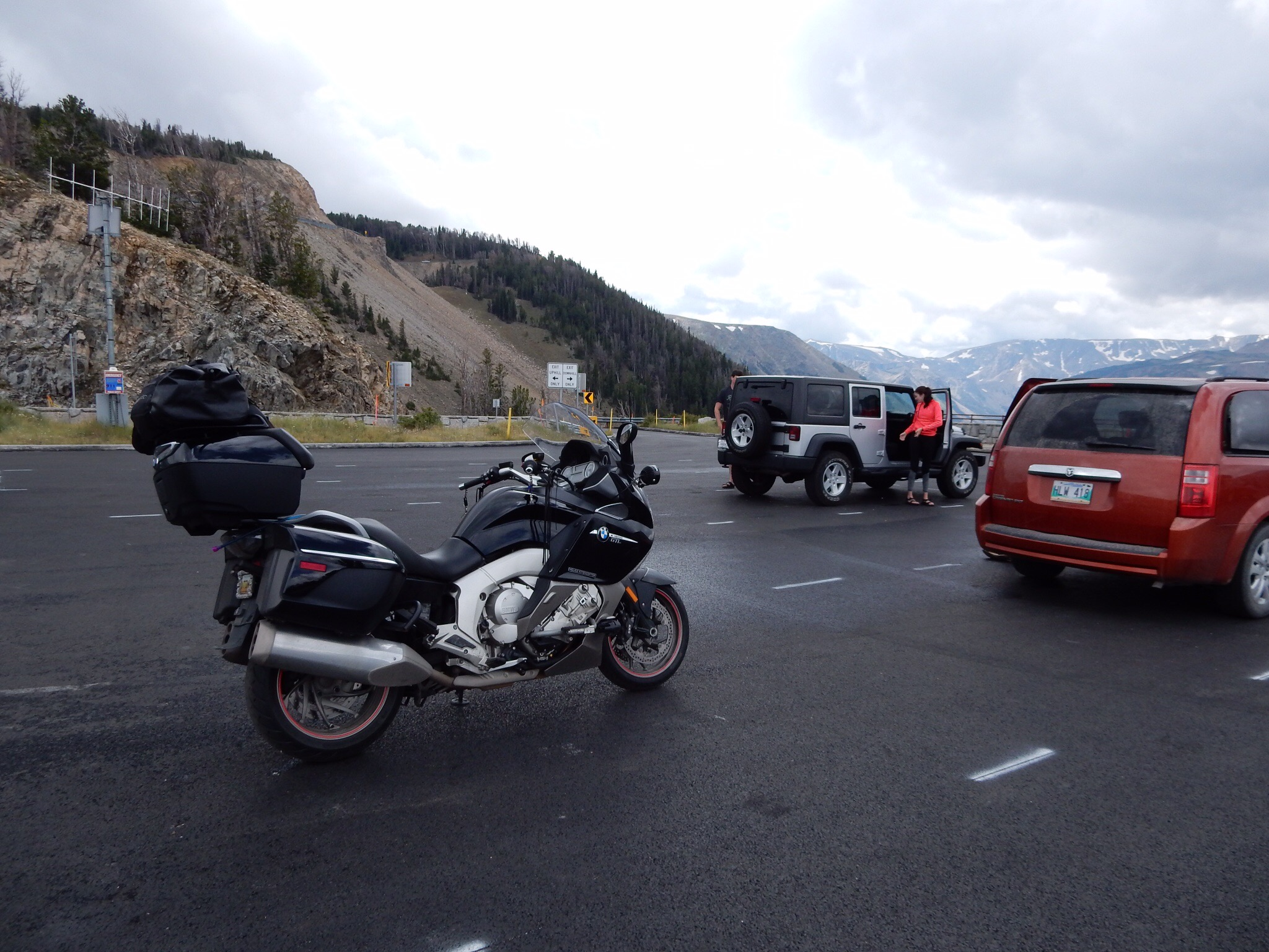 The Nightowl parked at one of the overlooks along Beartooth Pass.The Nightowl parked at one of the overlooks along Beartooth Pass.